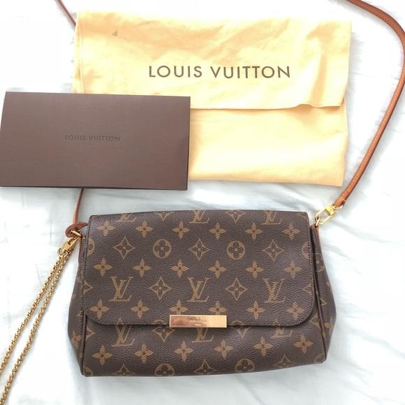 0372445cf08c Louis Vuitton Handbags - Louis Vuitton Favorite MM clutch